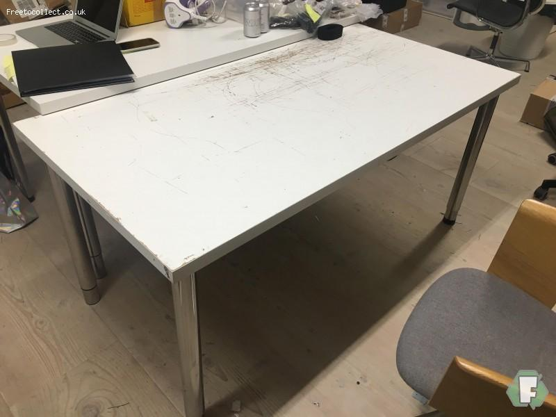 3 White Ikea Desks  at www.freetocollect.co.uk