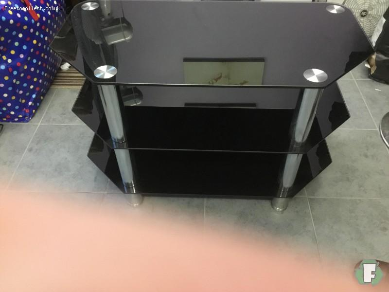 Glass tv stand, free to collect ST5  at www.freetocollect.co.uk