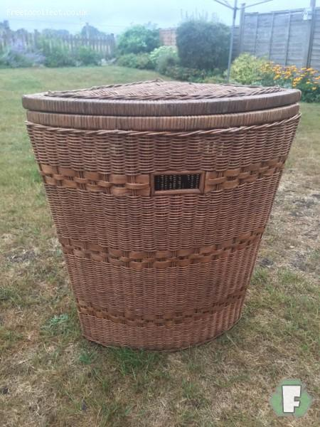 Laundry basket  at www.freetocollect.co.uk